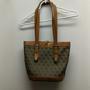 Dooney & Bourke Tote Handbag